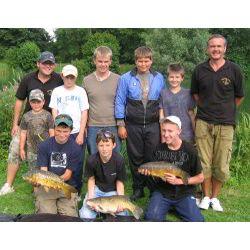 06.08.08 Training Day Group Shot 3 fish